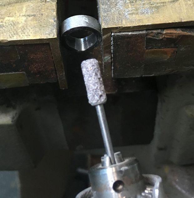 700 SAKO extractor cutting extractor notch