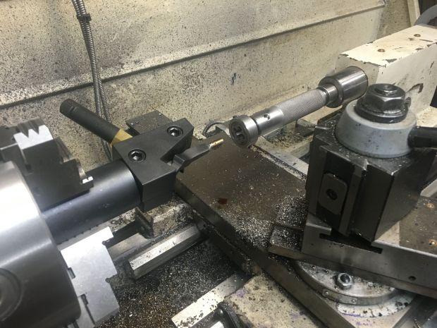 threading bolt handle M700 7.62x39mm