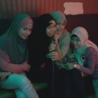Video Gila-gilaan With Friends + Photos