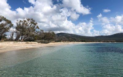 Spiaggia Mugoni: una baia incantevole
