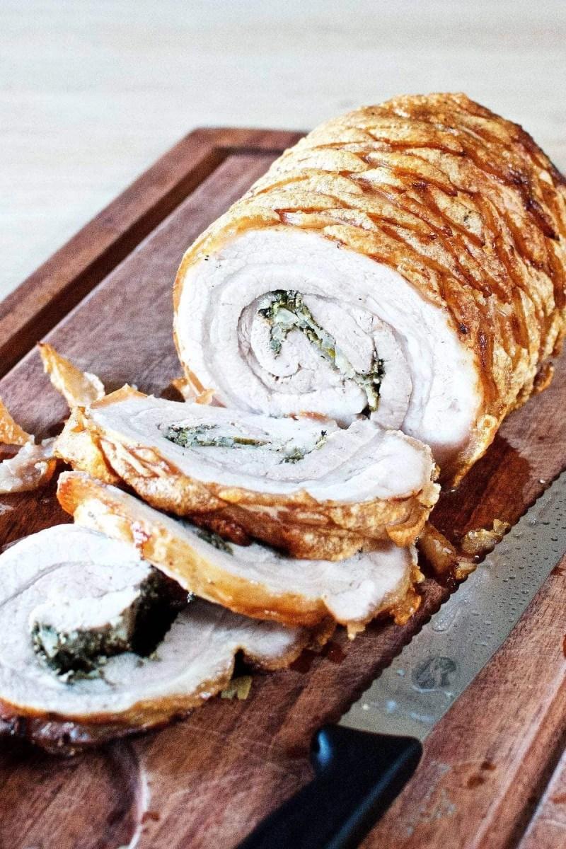 Porchetta i ovn - rullesteg med sprød svær