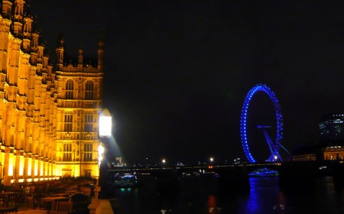 Westminster Palace and London Eye, November 2007 by Herry Lawford