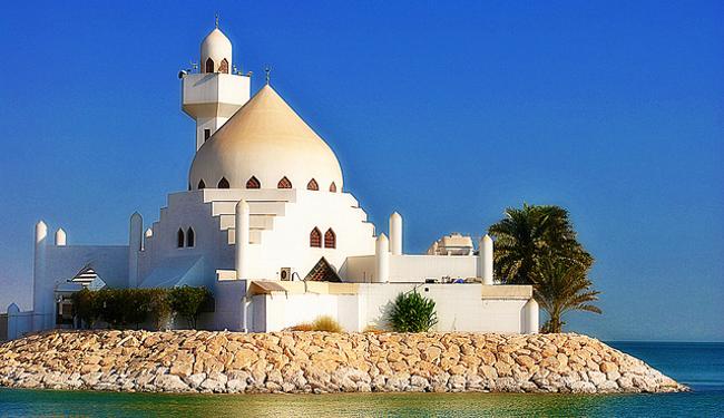 Mosque, December 2010 by Edward Musiak