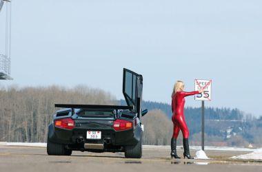 Lamborghini Countach blonde