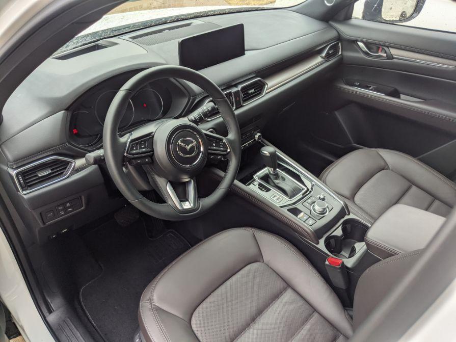 2021 Mazda CX-5 Signature front cabin