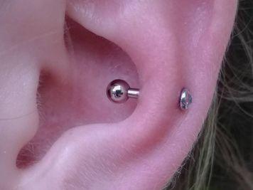 snug piercing pic