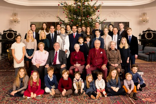 HM Queen Margrethe II and HRH The Prince Consort and their family assembled by the Christmas tree in The Great Hall at Fredensborg Palace on Christmas Day. DKH Kronsprinsparret, Prins Christian, Prinsesse Isabella, Prins Vincent, Prinsesse Josephine, DKH Prins Joachim og Prinseese Marie, PrinsHenrik, Prinsesse Athena, Prins Nikolai, Prins Felix, HM DronningAnne-Marie, HM Kong Konstantin, DKH Kronprins PAvlos og kronprinsesse PAclos, HM Dronningen, HKH Prinsgemalen, HKH Prinsesse Annemarie mfl., Kuppelsalen, Fredensborg - jul 2014.