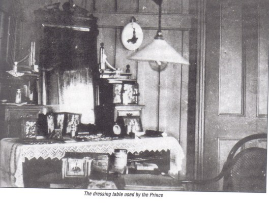 The Prince of Wales' dressing table at Wingadee Station. Photo courtesy of Coonamble Museum.