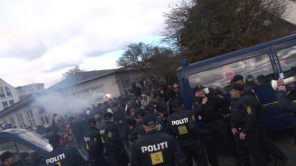 Antifa_Assault_425_Antifa_and_anti-Jewish_rioters_seeking_to_attack_the_demonstration