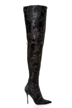 r3-dominique-pony-laser-cut-flower-brocade-black