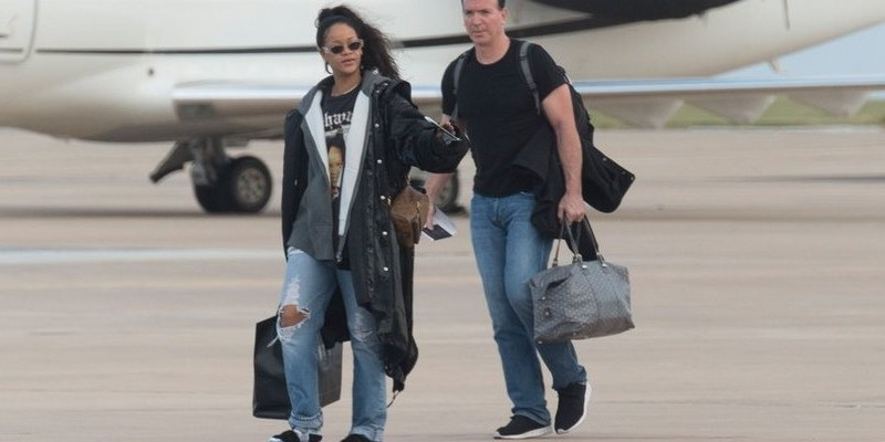 Rihanna arrives in Barbados for Christmas