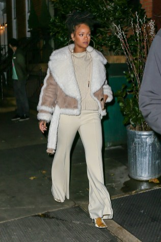 Rihanna dines at The Spotted Pig in New York on December 6, 2016 leaving the restaurant