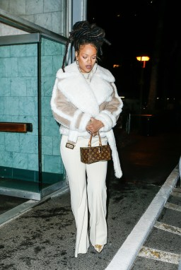 Rihanna dines at The Spotted Pig in New York on December 6, 2016