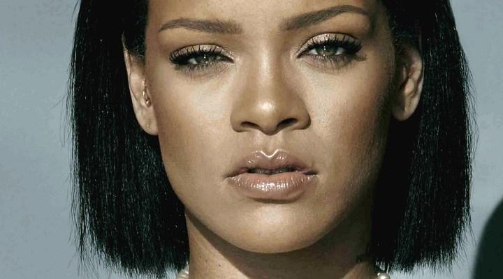 "Anne Hathaway says Rihanna is ""heaven"""