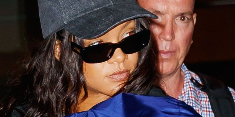Rihanna leaves NYC and heads to London