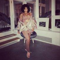 Rihanna visits Electric Lady Studios in New York October 21, 2017 rihanna-fenty.com