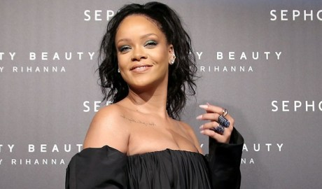 Rihanna talks Fenty Beauty and sends positive message to young girls rihanna-fenty.com