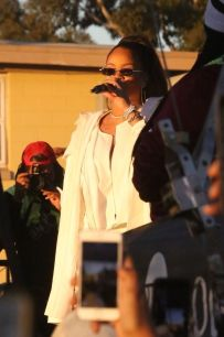 Rihanna performs at TDE's Annual Holiday Concert December 21, 2017