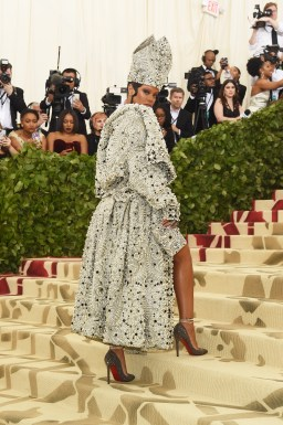 Rihanna attends 2018 Met Gala in New York on May 7, 2018 Photos