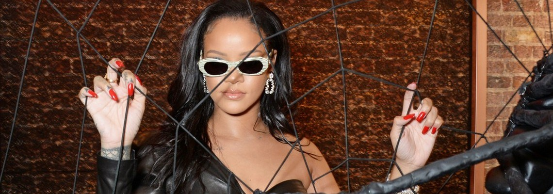 Rihanna visits Savage x Fenty pop up shop in London