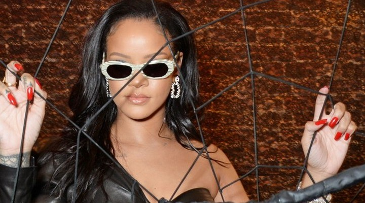 Rihanna visits Savage x Fenty pop up shop in London