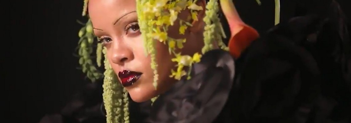 32ff9e13e1c70 Behind the scenes of Rihanna s British Vogue cover - RIHANNA ONLINE