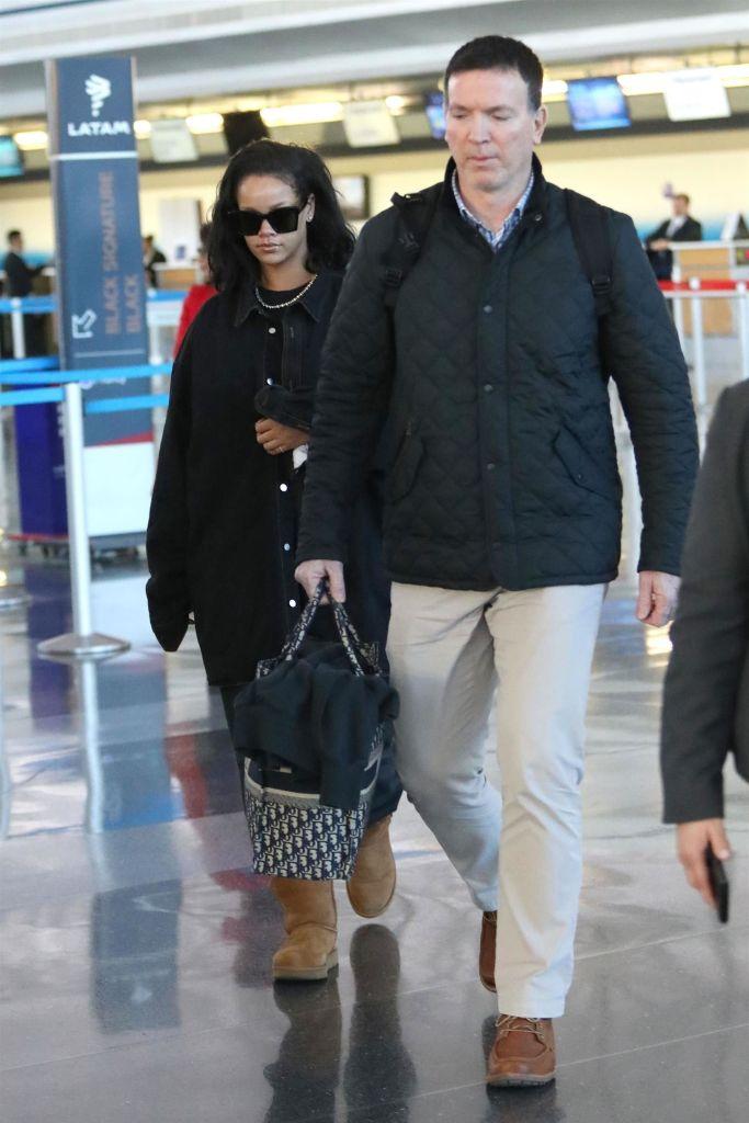 Rihanna arrives in New York on January 28, 2019 - JFK Airport
