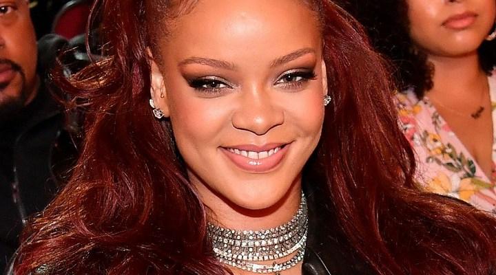Rihanna honors Mary J Blige at 2019 BET Awards