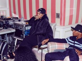 Rihanna pensando - post Documentário da Rihanna - R8 Experience