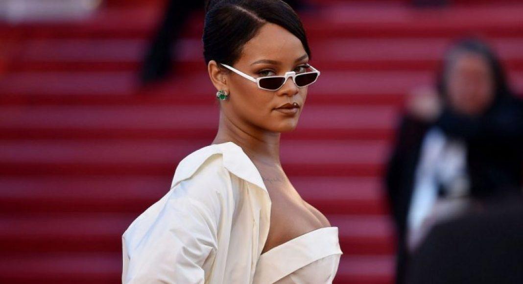Rihanna no 70th Cannes Film Festival.