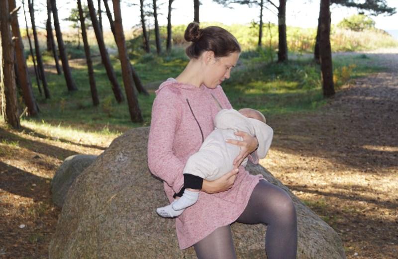Silmatera imetava ema kapuutsiga kleit lukkudega