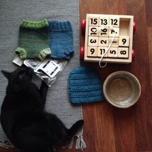 Minimalismipelin 6.päivänä poistuu kuusi tavaraa. Kissa on edelleen säilytettävien listalla. #minimalismipeli #minsgame #declutter #organizing