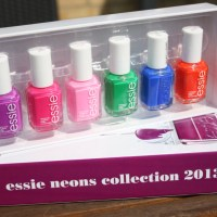 Essie Neon kollektion 2013 - swatches
