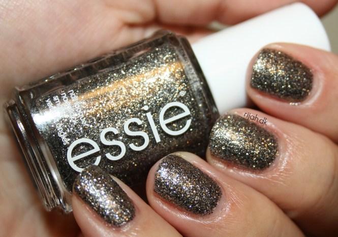 Essie Ignite the night