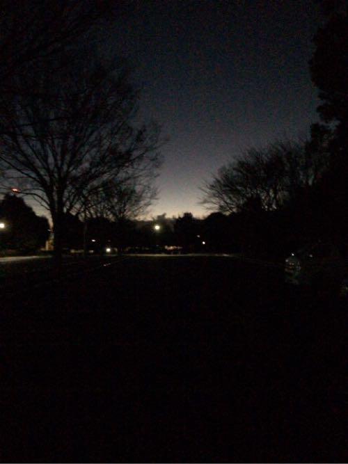 まだ、真っ暗