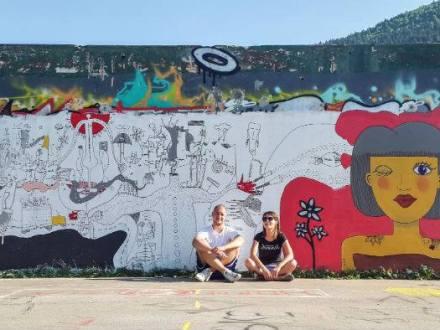 Dva murala pod jednim krovom