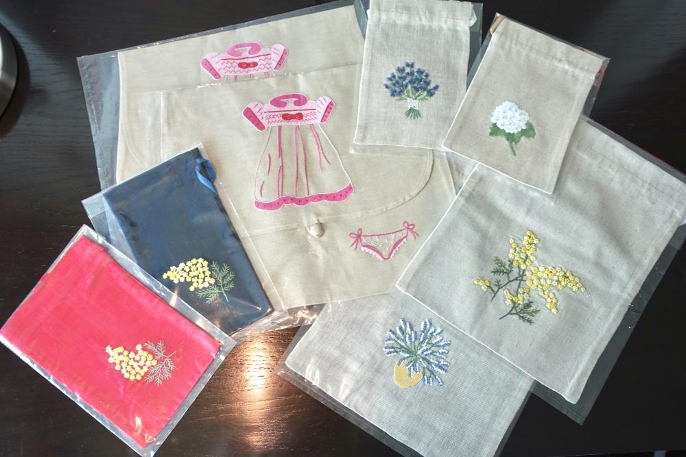 ハーフーンで購入した巾着の数々