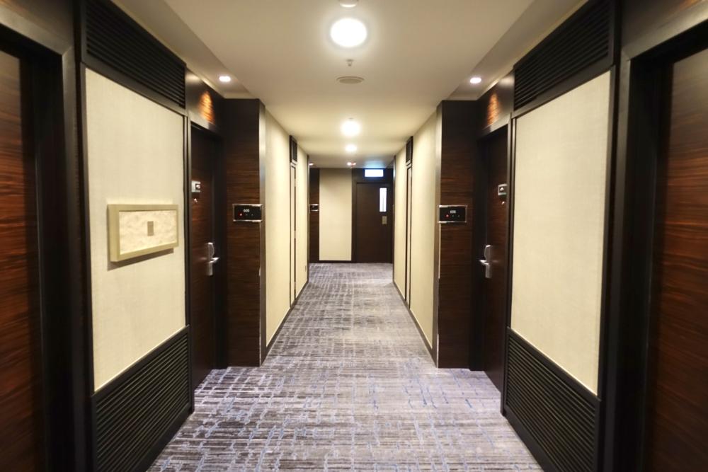香港スカイシティ・マリオットホテルの廊下