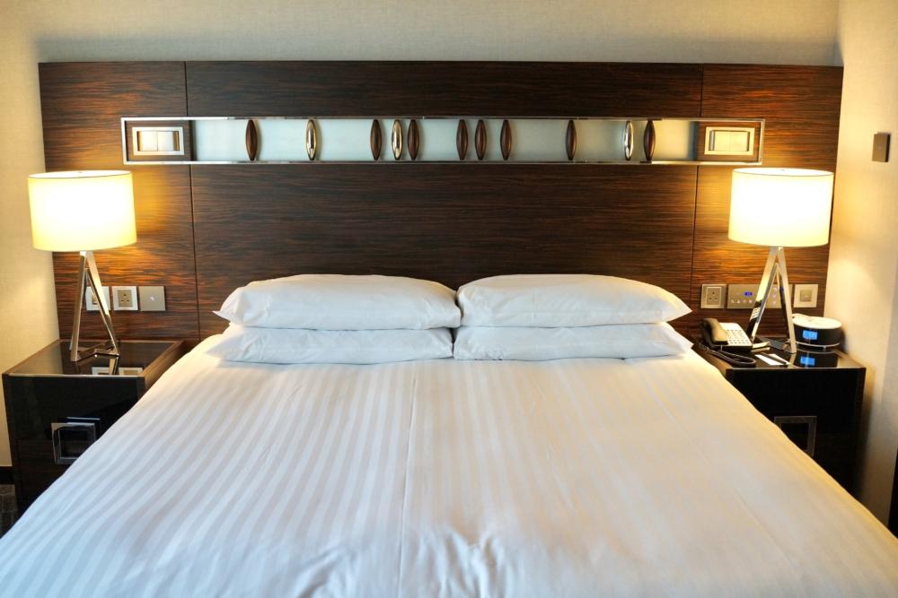 香港スカイシティ・マリオット・ホテルのスイートルーム/ベッドルーム