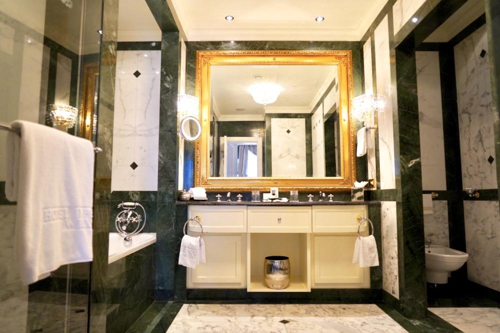 ホテルインペリアルウィーン・エグゼクティブジュニアスイート・バスルーム全景