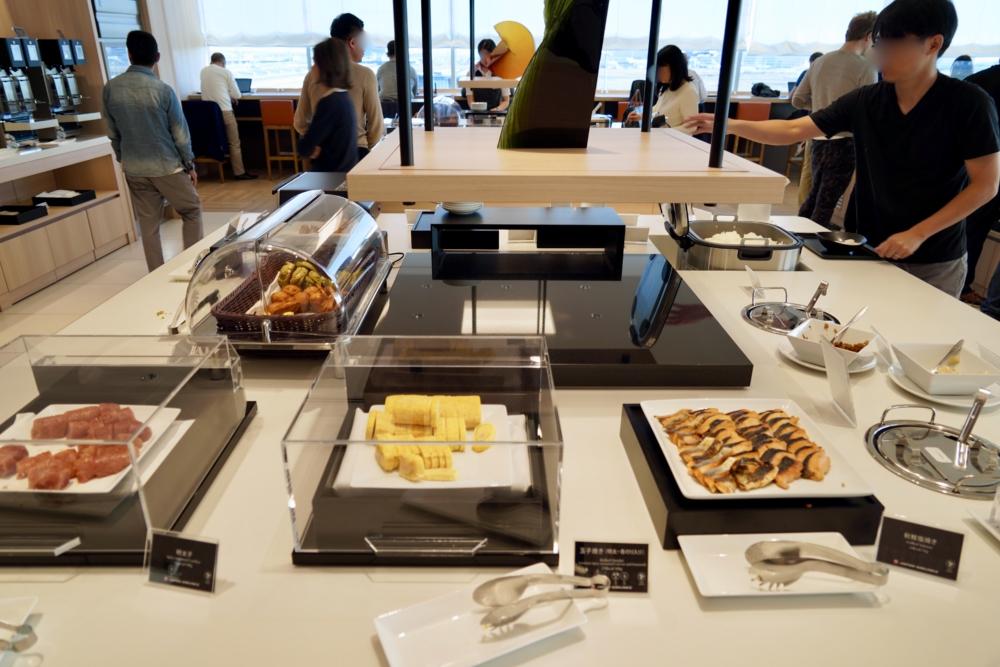羽田空港JALサクララウンジスカイビュー・ブッフェ・和食