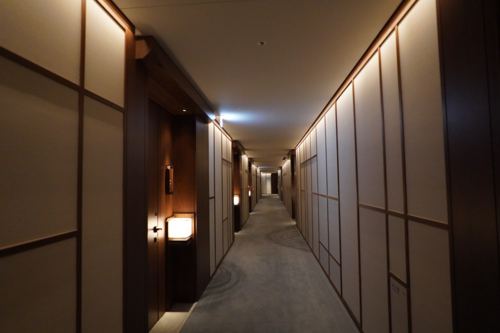HOTEL THE MITSUI KYOTO宿泊記〜本館の廊下