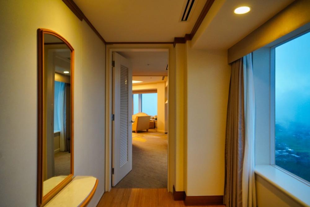 宮崎宮崎宮崎シェラトングランデオーシャンリゾート宿泊記・40階クラブスイート・廊下からお部屋へ