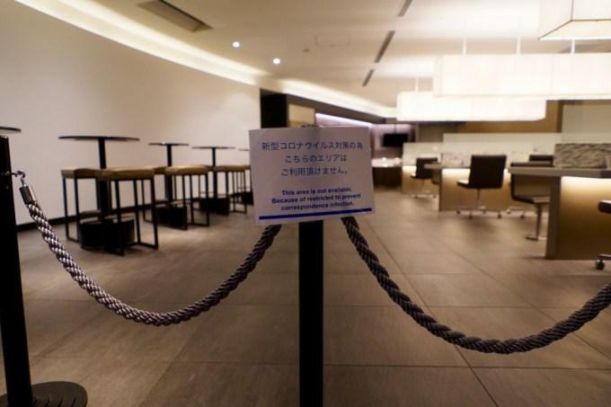 羽田空港第3ターミナルスイートラウンジ・右側のエリアは封鎖中