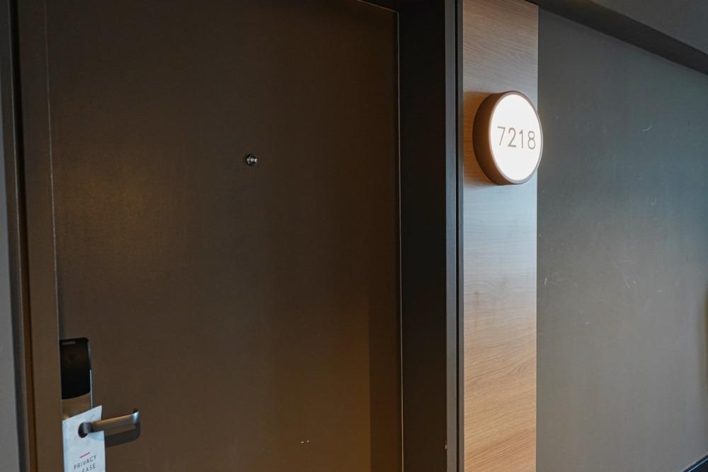 フランクフルトエアポートマリオットホテル宿泊記・お部屋の前