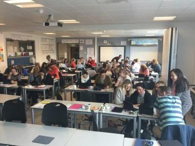 """""""Ser at alle har mykje å lære, også lærarar som har jobba med digital læring gjennom fleire tiår!"""" Sissel Bjørkevoll Thomassen Godøy skule"""