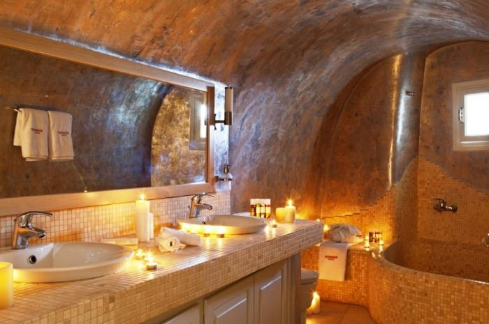 15 Aromatic Bathrooms With Candle Design Rilane