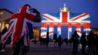 La Brandenburga Pordego ... pro la Britaj viktimoj