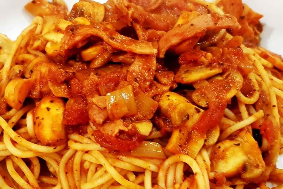 Super Smokey Bacon & Tomato Spaghetti