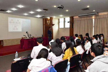 นิสิตสาขาวิชาภาษาไทย มมส เรียนรู้ภูมิปัญญาท้องถิ่น
